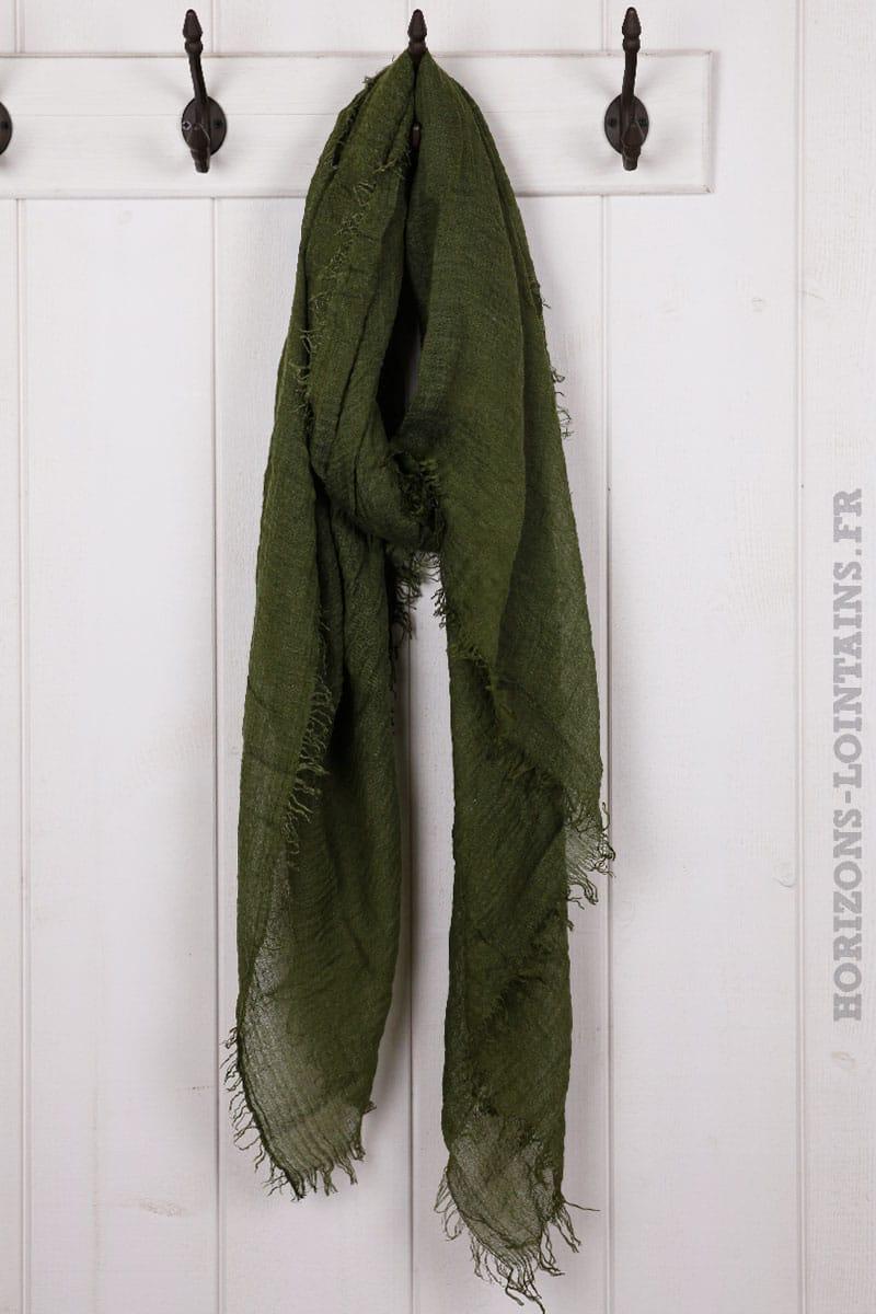 Écharpe couleur kaki foncé accessoire mode pour femme collection automne 4348fad5e61