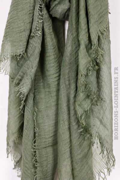 Écharpe kaki accessoire mode pour femme collection automne