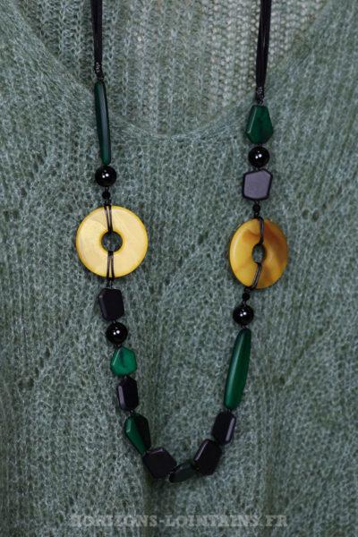 Collier sautoir perles vertes jaunes noires effet nacré style africain 102