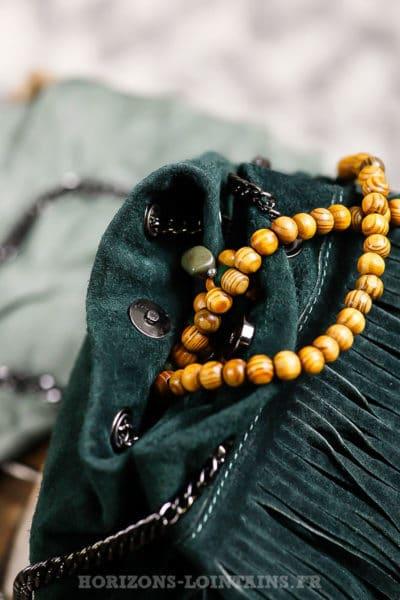 Sac seau à franges, couleur vert, cuir velours et anse chaînette