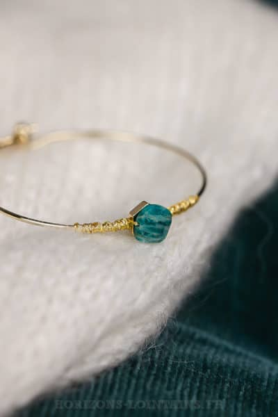 Jonc acier doré, pierre semi précieuse turquoise