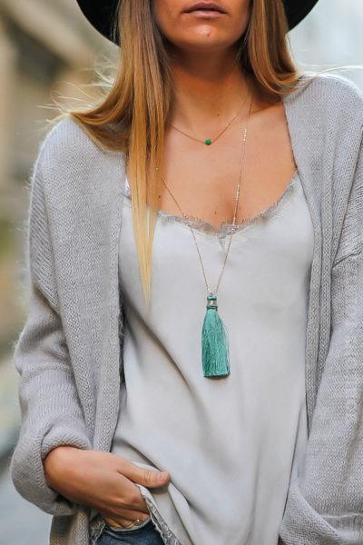 collier-chaîne-fine-pompons-turquoise-bijoux-femme