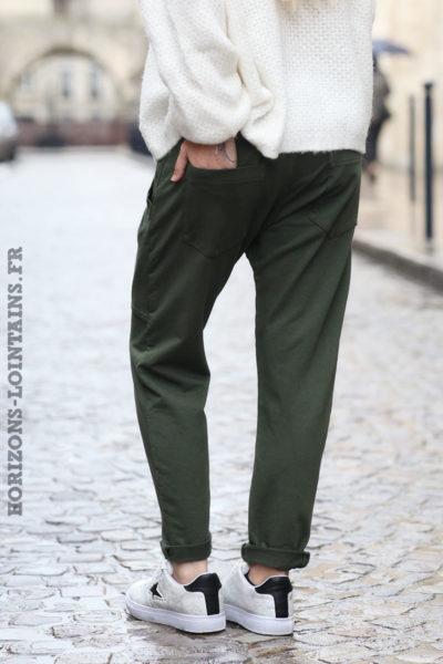 jogging-femme-pantalon-urbain-vert-kaki-poches-look-street-wear-look-004-06