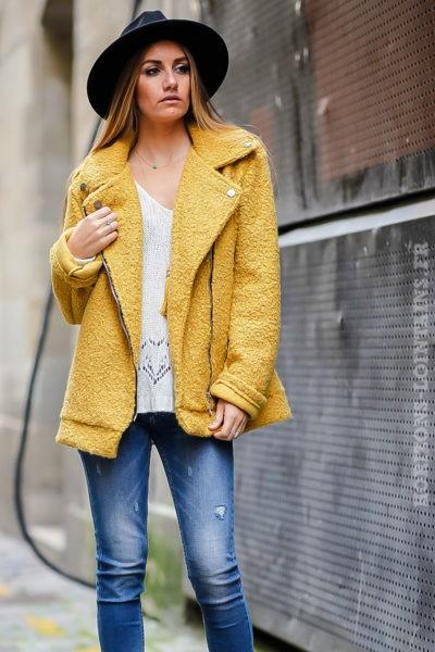perfecto jaune moutarde matière laine bouillie look moderne tendance manteau femme dos