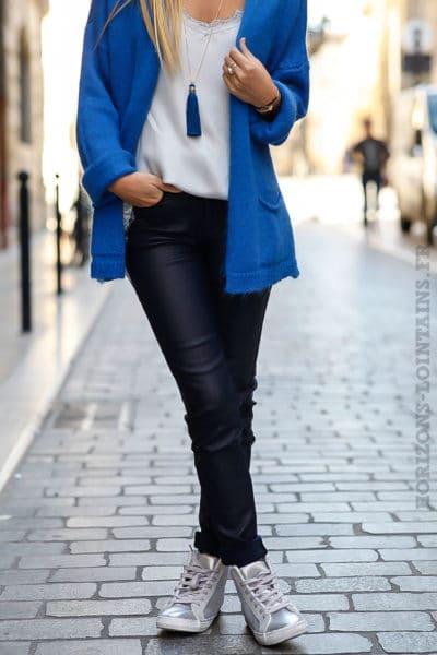 Pantalon huilé bleu marine confortable look femme moderne