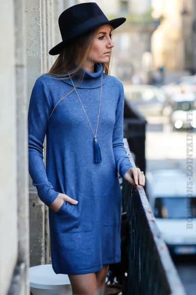 Robe pull bleue jean avec col roulé et poches