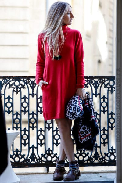 Robe pull rouge avec col roulé et poches