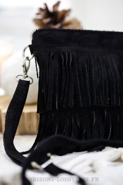 Pochette noire franges cuir velours anse amovible look hippie chic