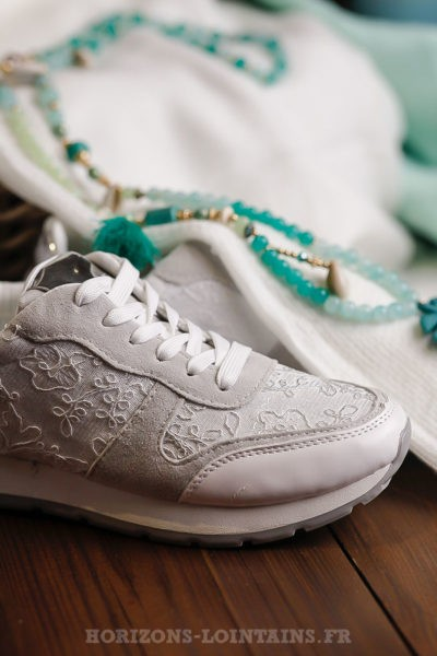 ... Baskets-blanches-avec-dentelle-chaussures-femme-sport ... 573f45f6aa22