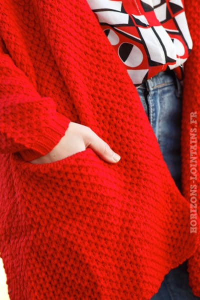 Gilet-long-maille-poches-it-hippie-couleur-rouge-look-femme-moderne