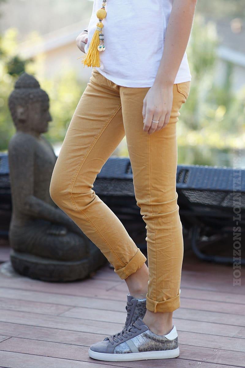 124629ad3d716 Jean basique jaune moutarde