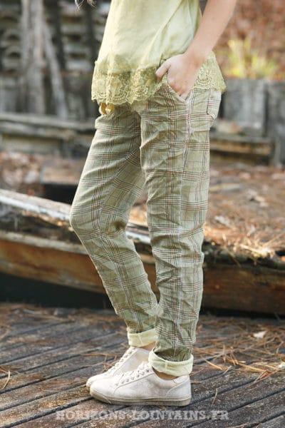 Pantalon-très-confort-stretch-à-carreaux-fond-moutarde-b58