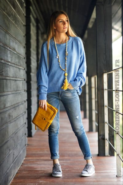 Pull-bleu-col-rond-coupe-loose-c16