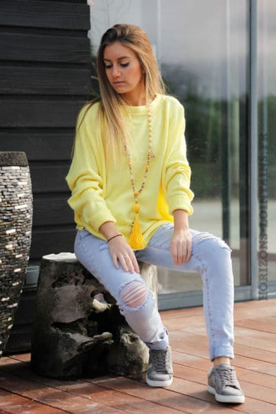 Pull-jaune-fluo-col-rond-coupe-loose-c16
