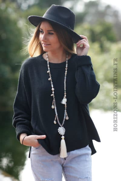 Pull-noir-col-rond-coupe-loose-c16