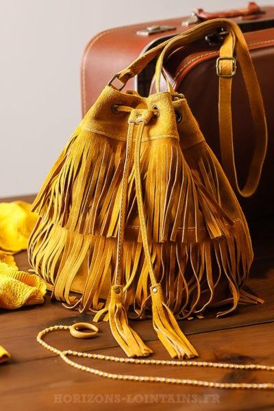 Grand sac seau jaune moutarde avec franges