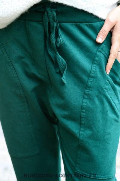 jogging-femme-pantalon-urbain-vert-foncé-poches-look-street-wear-look-004