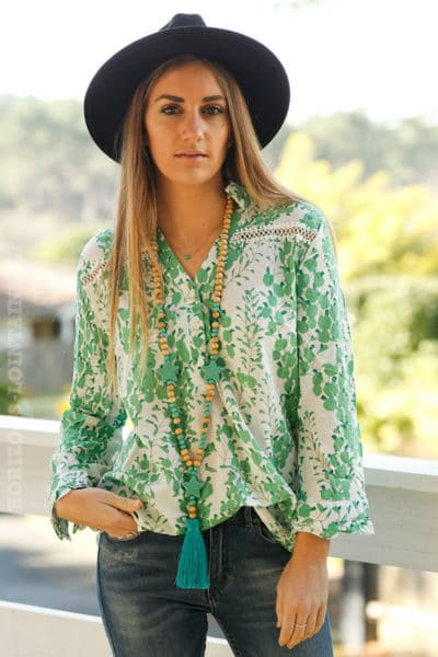 Blouse-col-chemise-imprimé-vert-pomme-c26-broderie-mode