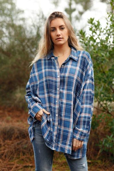 Chemise-bleue-à-carreaux-loose-grande-taille-tunique-femme-ronde-boyfriend-8