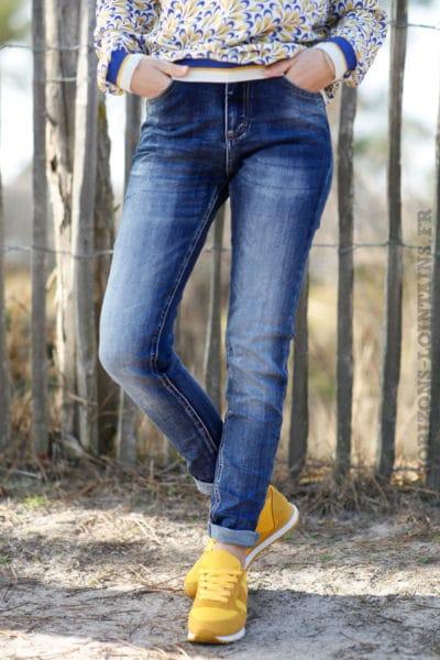 Jean-bleu-délavé-moyen-pantalon-confortable-femme-look-moderne-C010