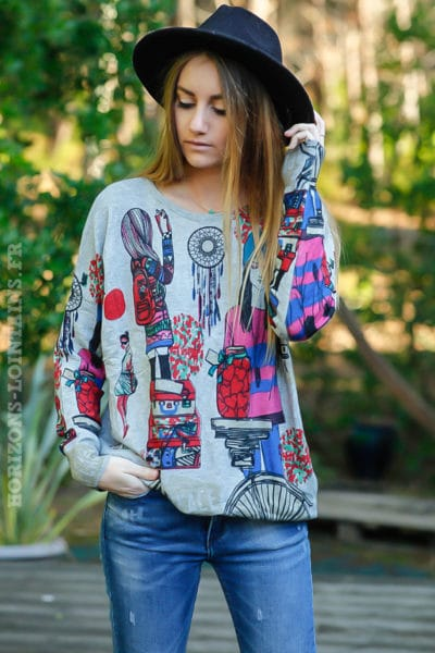 Pull-doux-gris-imprimé-city-dream-catcher-colorés-rose-rouge-bleu