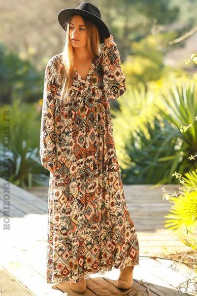 Robe-longue-bohème-camel-imprimé-style-africain-tete-mort-boho-femme-look-hippie-chic