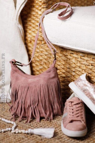 Sac-seau-rose-poudré-cuir-velours-franges-look-femme-bohème-hippie-chic-tendance-B046