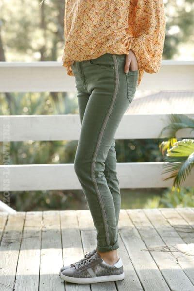 pantalon-jean-bande-perlée-stretch-confort-4