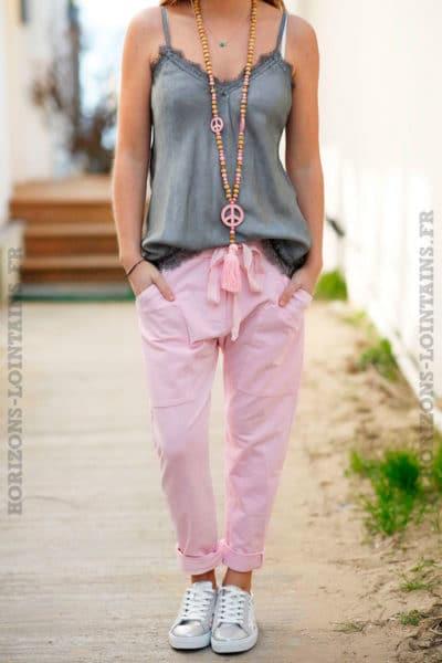 pantalon-jogging-urbain-rose-pâle-femme-poches-street-wear-look