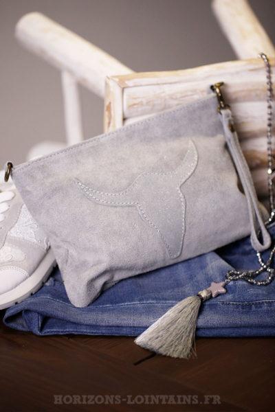 Pochette grise tête de buffle sac femme pratique