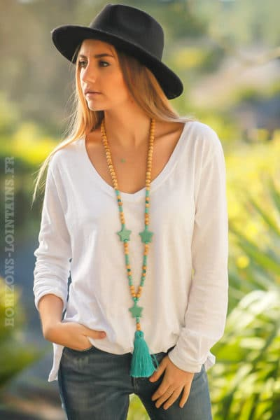 teeshirt-blanc-basique-femme-moderne-tendance-manches-longues-grand-col-V