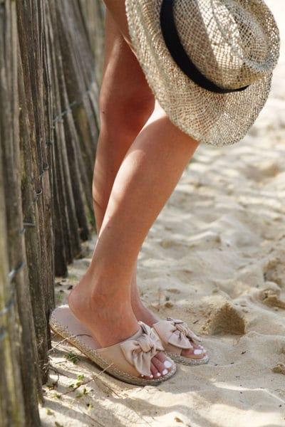 Mules-nude-suédine-nœuds-c08-sandales-été