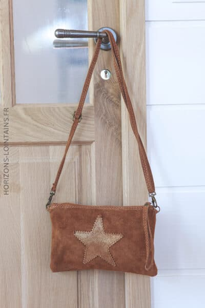 Pochette étoile en croûte de cuir camel 001 (1)