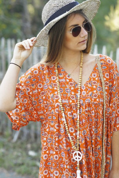 Robe-fluide-orange-imprimé-fleurs-c44-2