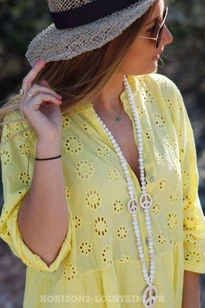 a527ba332c ... Robe-jaune-avec-broderie-anglaise-style-dentelle-idée- ...