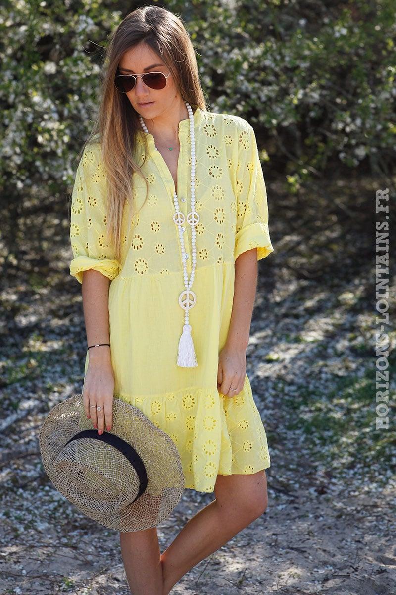b421f50463 Robe-jaune-avec-broderie-anglaise-style-dentelle-idée-