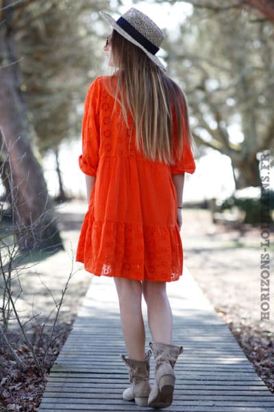 Tenue-robe-orange-femme