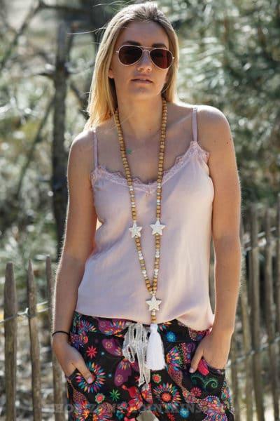 Collier-perles-bois-étoiles-blanches-c54