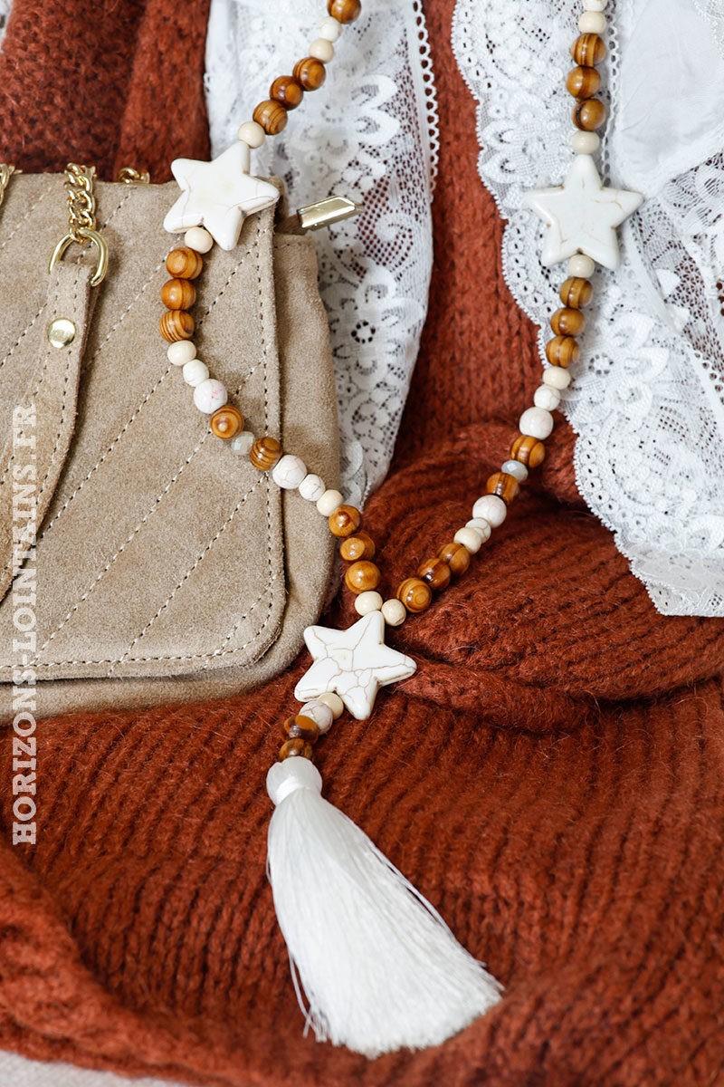 Collier-sautoir-femme-perles-bois-marrons-trois-étoiles-blanches-style-hippie-look-bohème