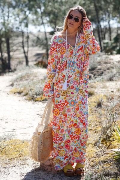 Robe-longue-colorée-seventies-c43
