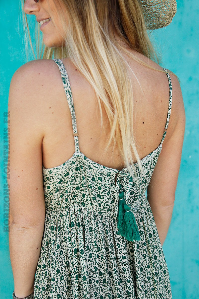 Robe-longue-imprimé-fleurs-vertes-bretelles-fines-c57