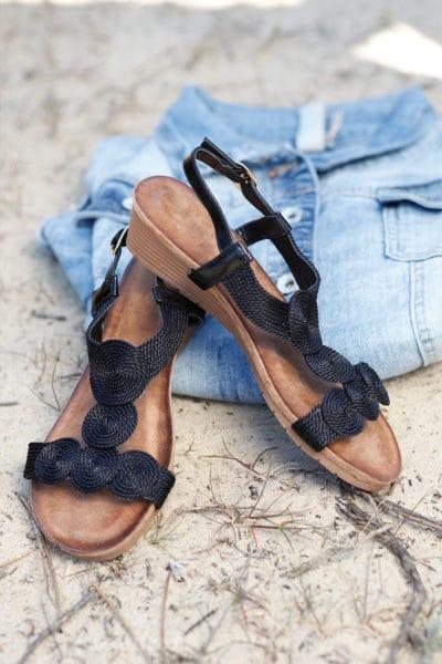 Sandales-tressées-noires-petit-talon-compensé-c18