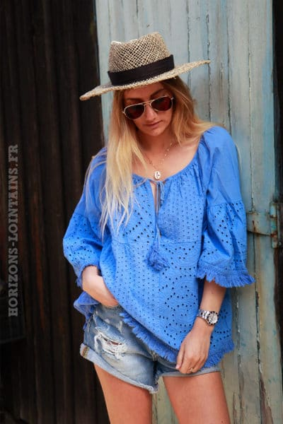 Blouse-bleu-broderie-anglaise-petites-franges-c114