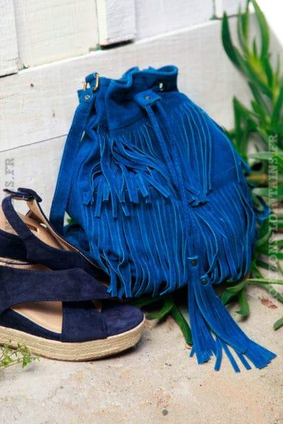 Grand-sac-seau-bleu-jean-foncé-à-franges,-lien-resserable-c02
