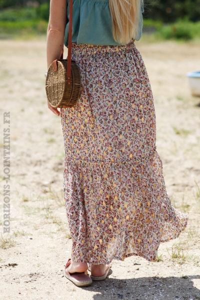 Jupe-longue-écrue-avec-imprimé-doré-et-fleurs-rose-c23