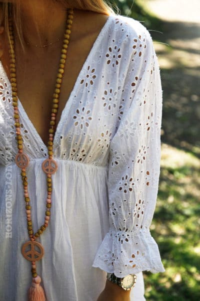 Robe-blanche-broderie-anglaise-ajourée-manches-volants-c75