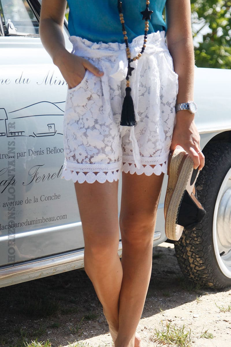 Short-blanc-en-dentelle-ceinture-élastique-c22