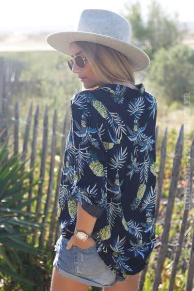 Tunique-bleu-marine-imprimé-feuilles-de-palmier-et-ananas-c126