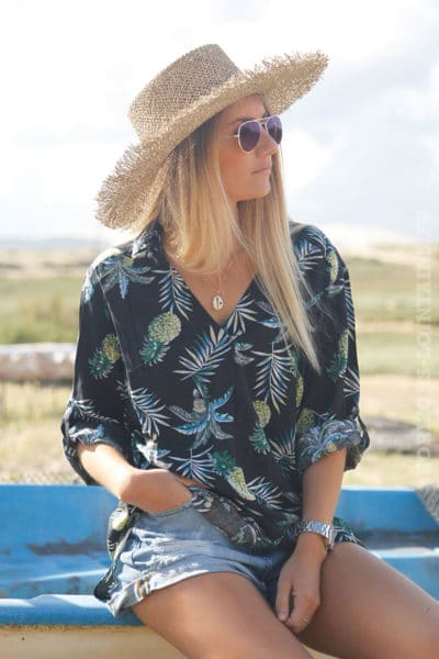 Tunique-noire-imprimé-feuilles-de-palmier-et-ananas-c126