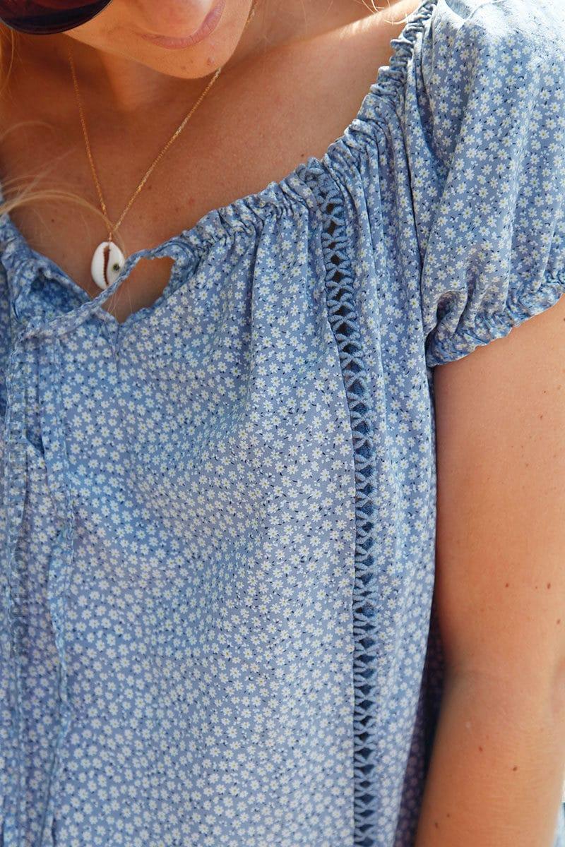 Blouse-bleu-jean-manches-courtes-imprimé-liberty-c132